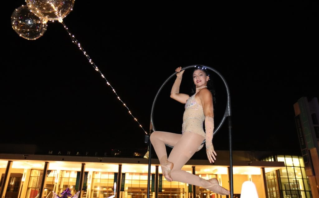 Entertainment at Glow Table Dinner in St Pete
